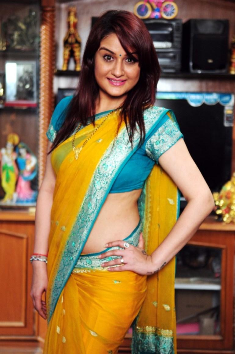 27+ Beautiful Photos of Sonia Agarwal 15