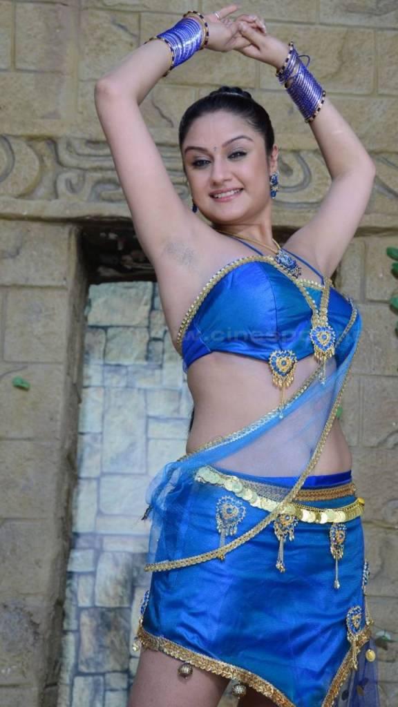 27+ Beautiful Photos of Sonia Agarwal 5