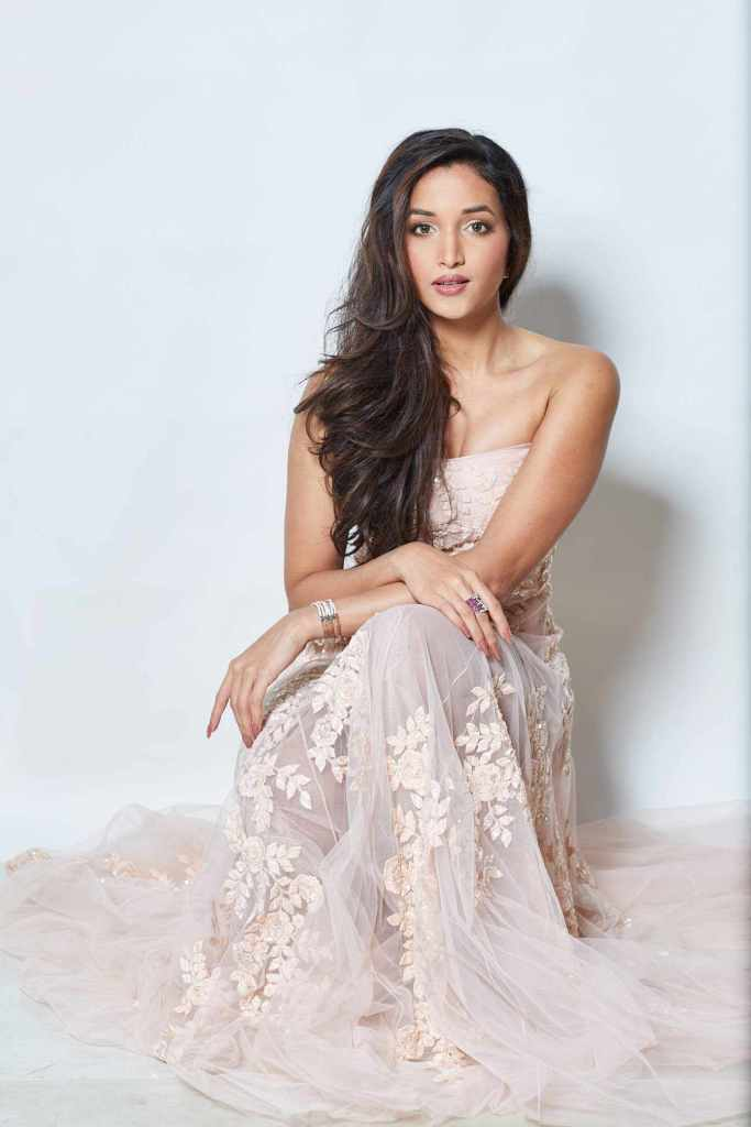 112+ Beautiful photos of Srinidhi Shetty 30
