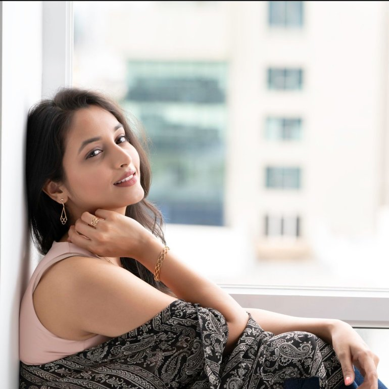 Srinidhi Shetty 112+ Beautiful photos, Wiki, Age, Biography, and Movies 45