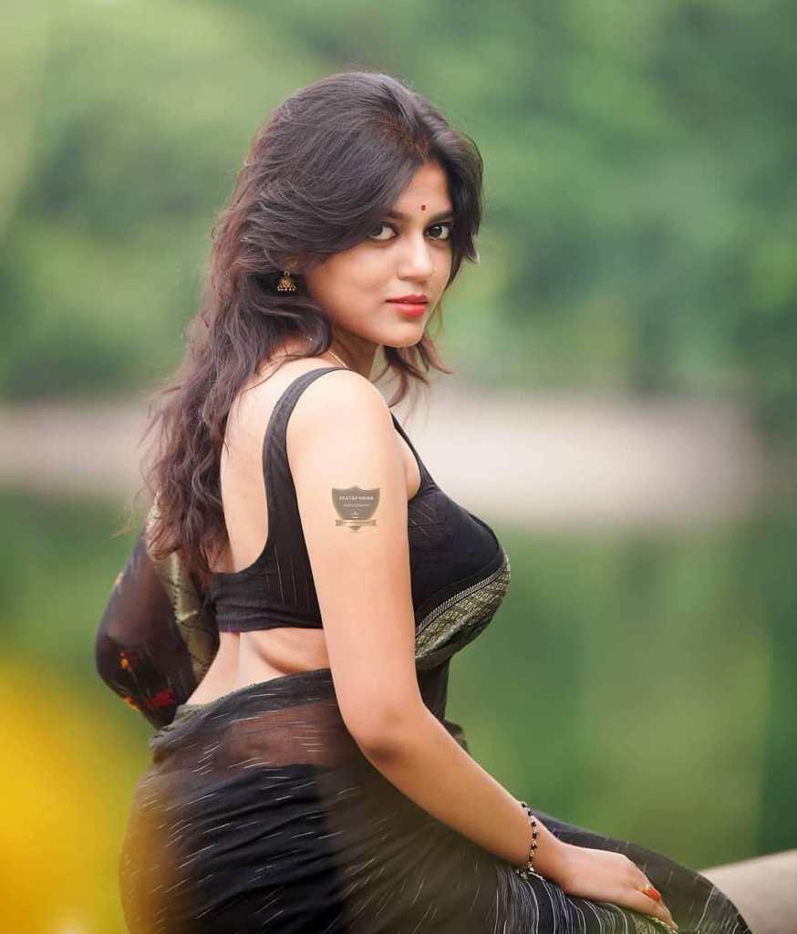 38+ Stunning Photos of Triya Das 11