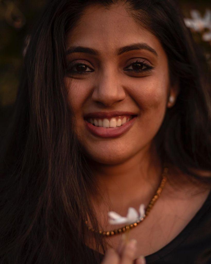 76+ Gorgeous Photos of Veena Nandakumar 14