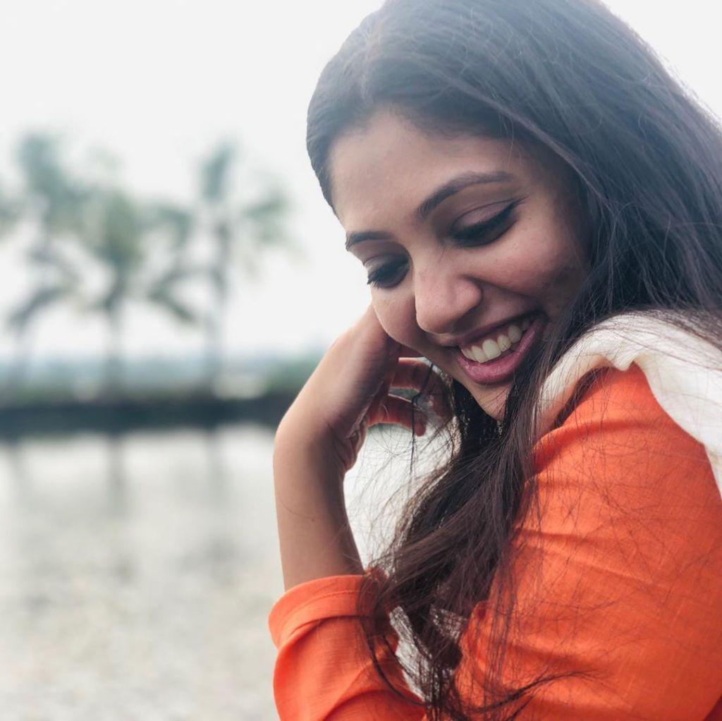 76+ Gorgeous Photos of Veena Nandakumar 18