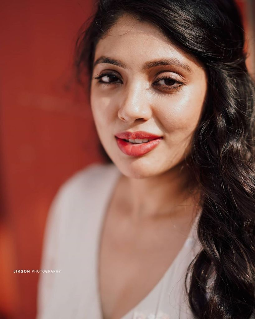 76+ Gorgeous Photos of Veena Nandakumar 73