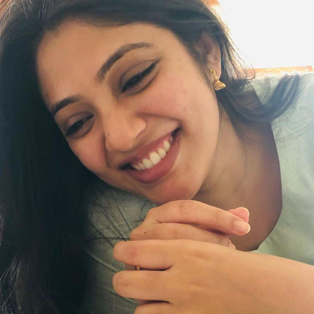 76+ Gorgeous Photos of Veena Nandakumar 11