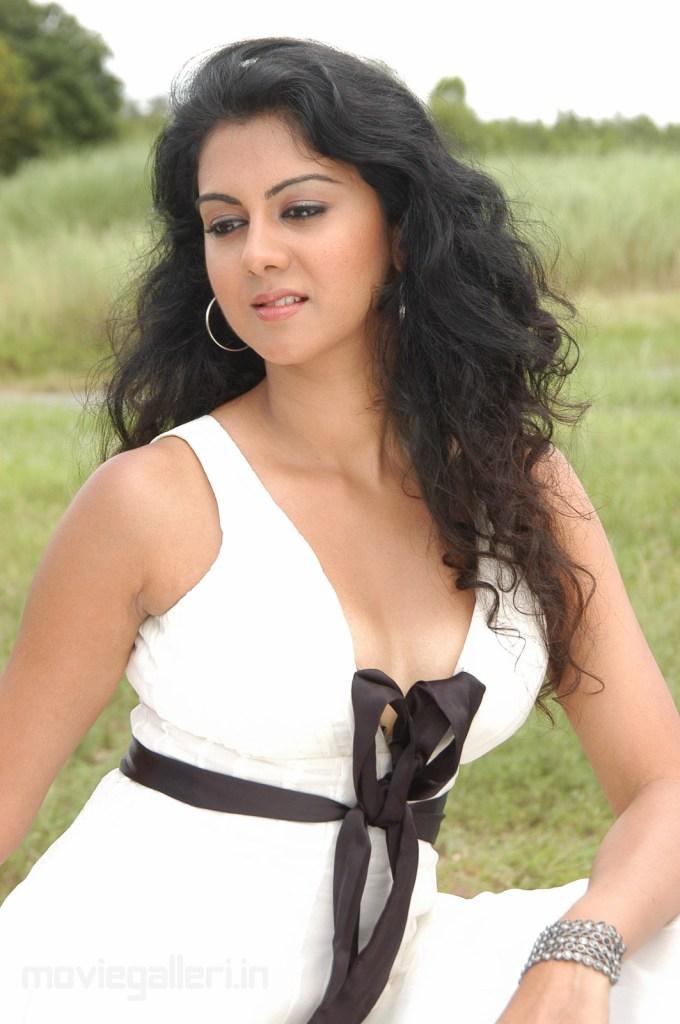 44+ Beautiful photos of Kamna Jethmalani 32