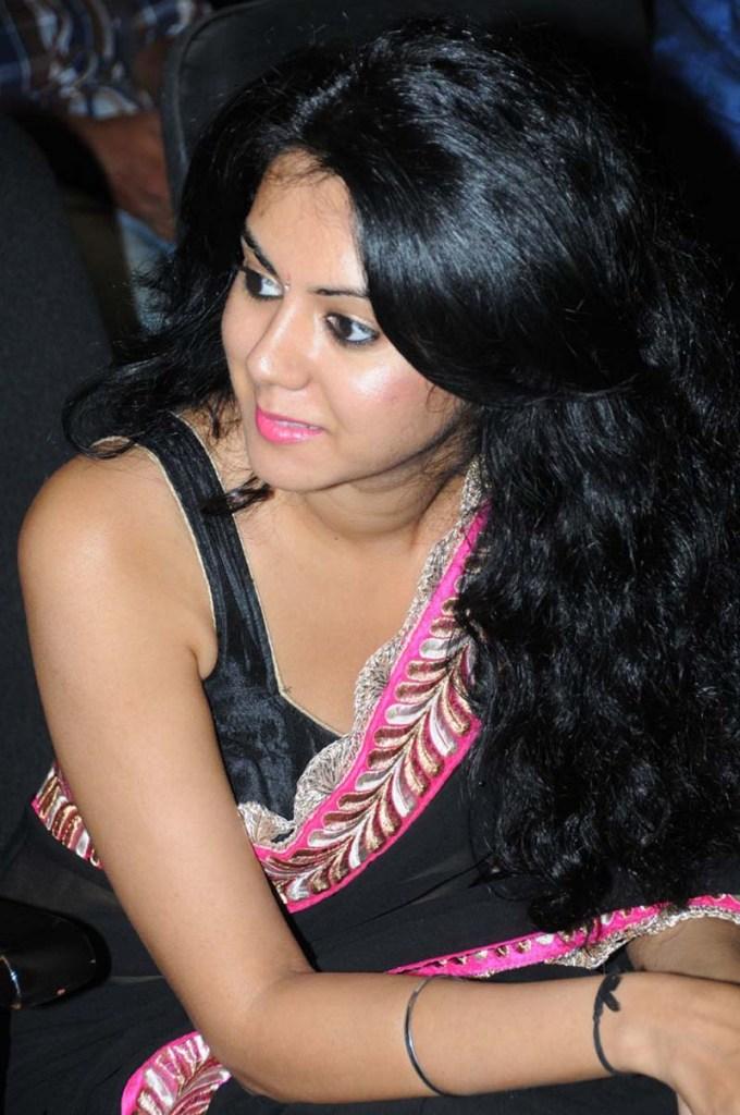 44+ Beautiful photos of Kamna Jethmalani 35