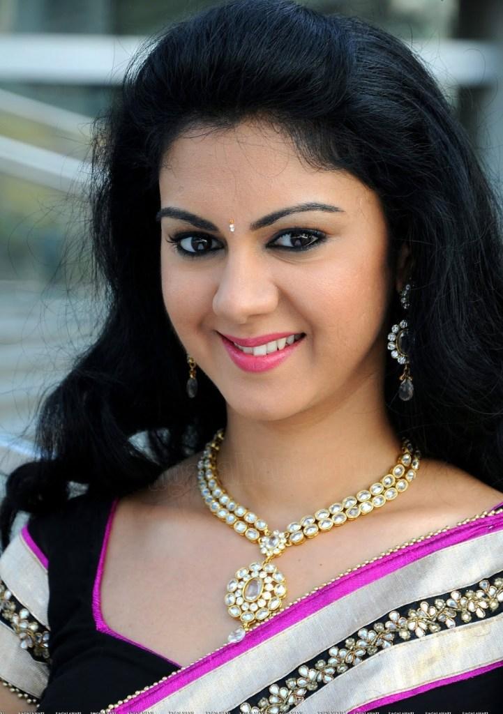 44+ Beautiful photos of Kamna Jethmalani 45