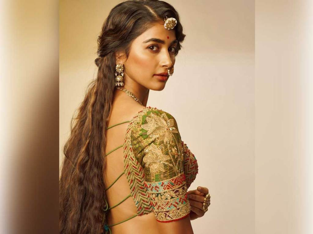 129+ Gorgeous Photos of Pooja Hegde 131