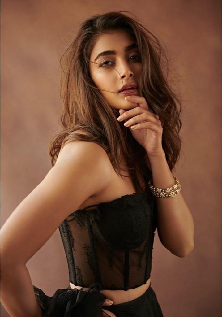 129+ Gorgeous Photos of Pooja Hegde 16