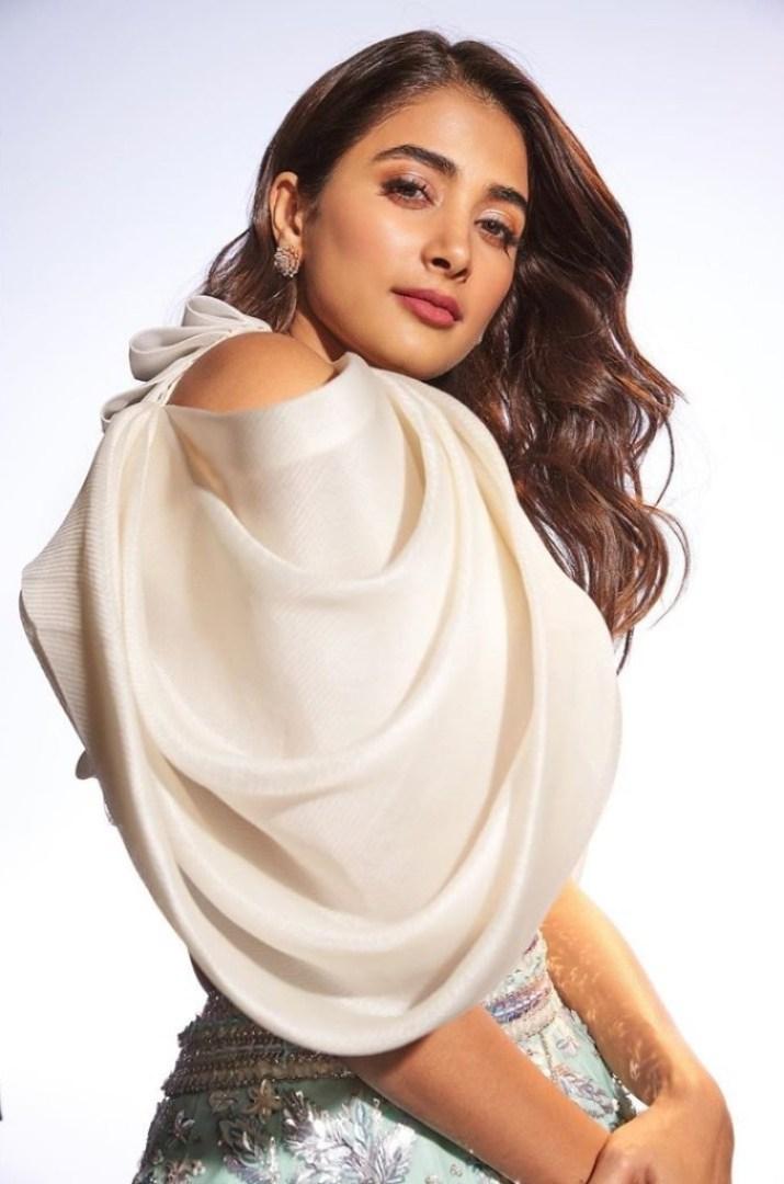 129+ Gorgeous Photos of Pooja Hegde 103