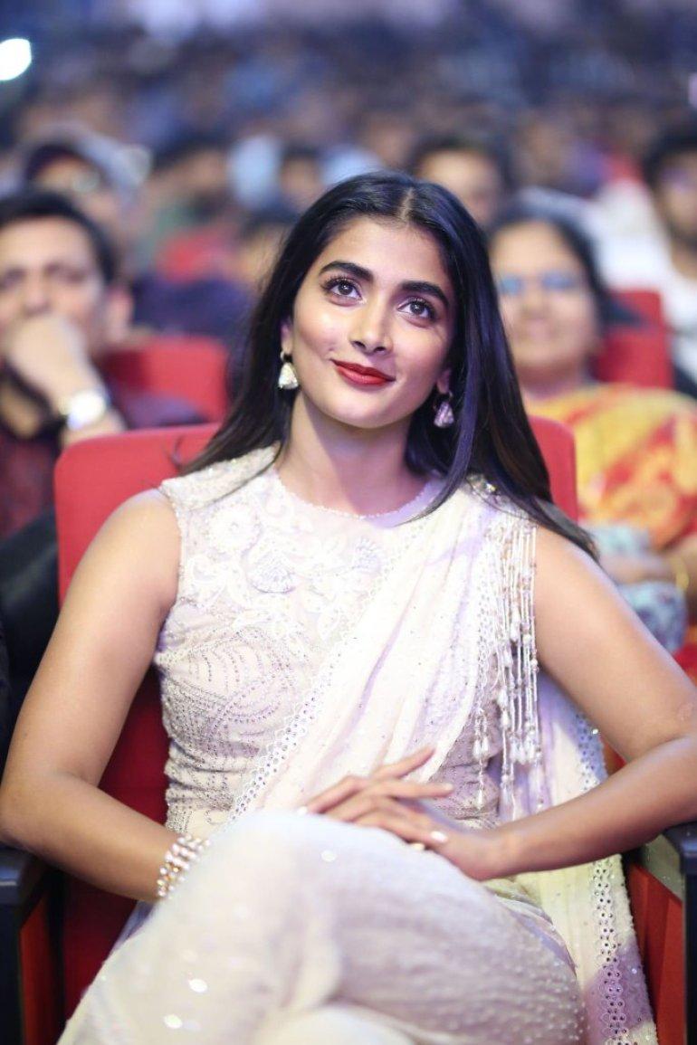 129+ Gorgeous Photos of Pooja Hegde 207