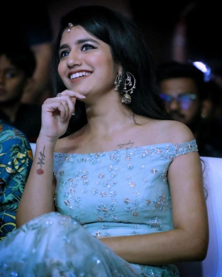 108+ Cute Photos of Priya Prakash Varrier 120