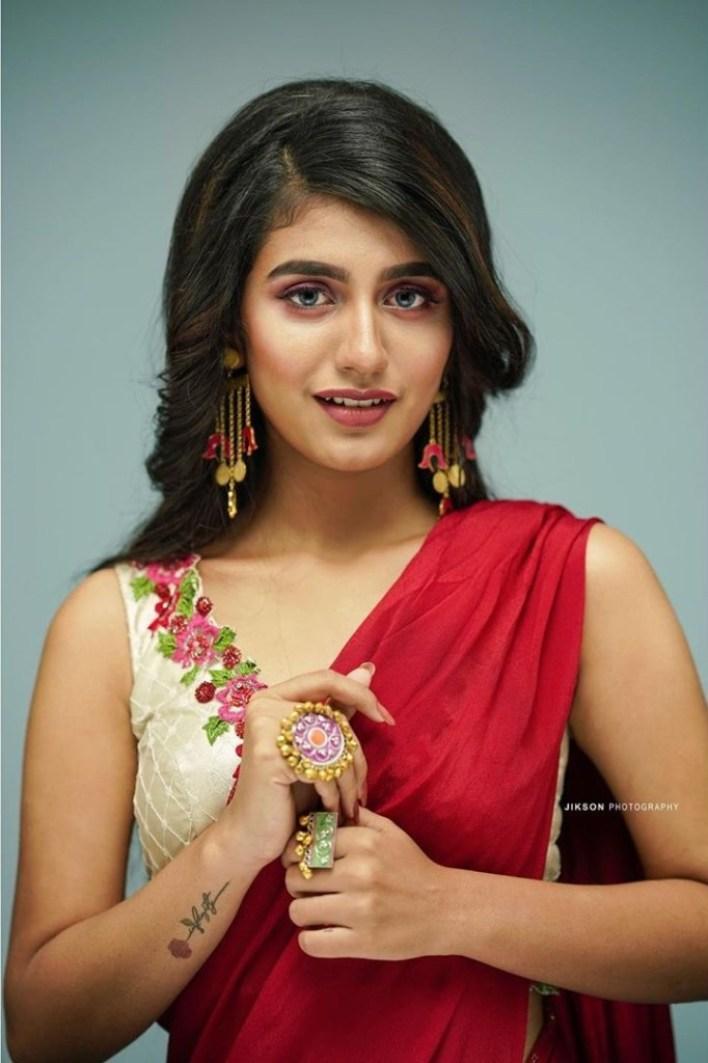 108+ Cute Photos of Priya Prakash Varrier 59