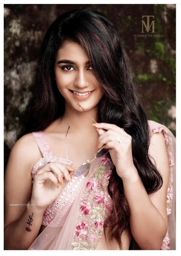 108+ Cute Photos of Priya Prakash Varrier 92