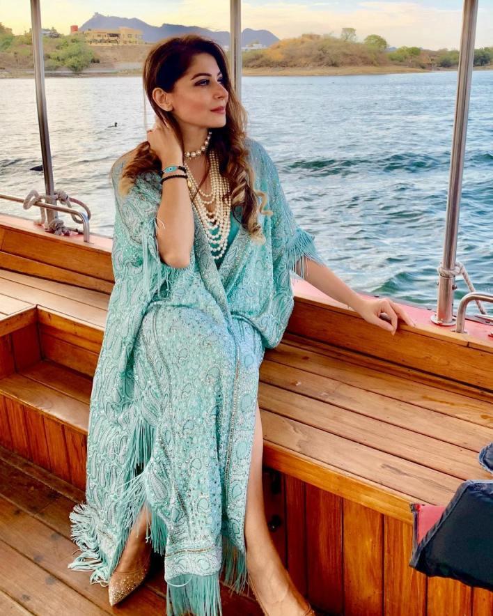 48+ Gorgeous HD Photos of Kanika Kapoor 6
