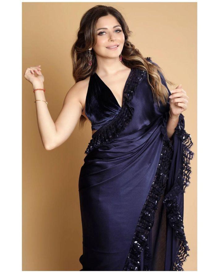 48+ Gorgeous HD Photos of Kanika Kapoor 17