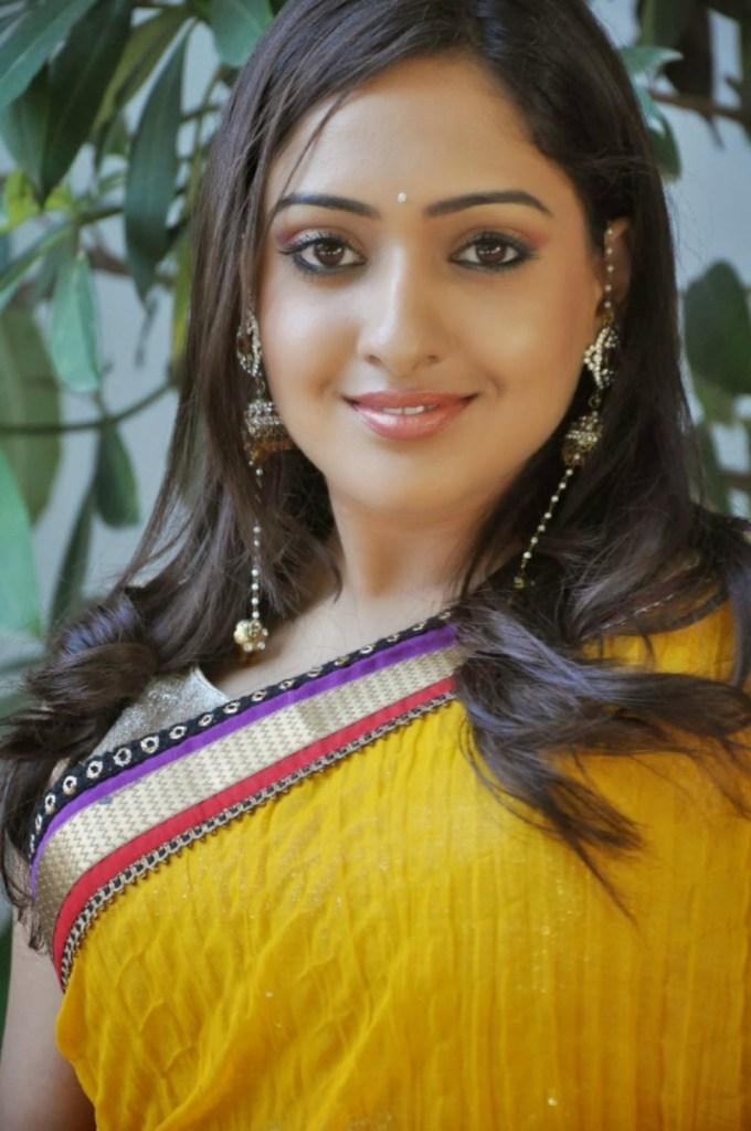 21+ Lovely Photos of Anjana Deshpande 3