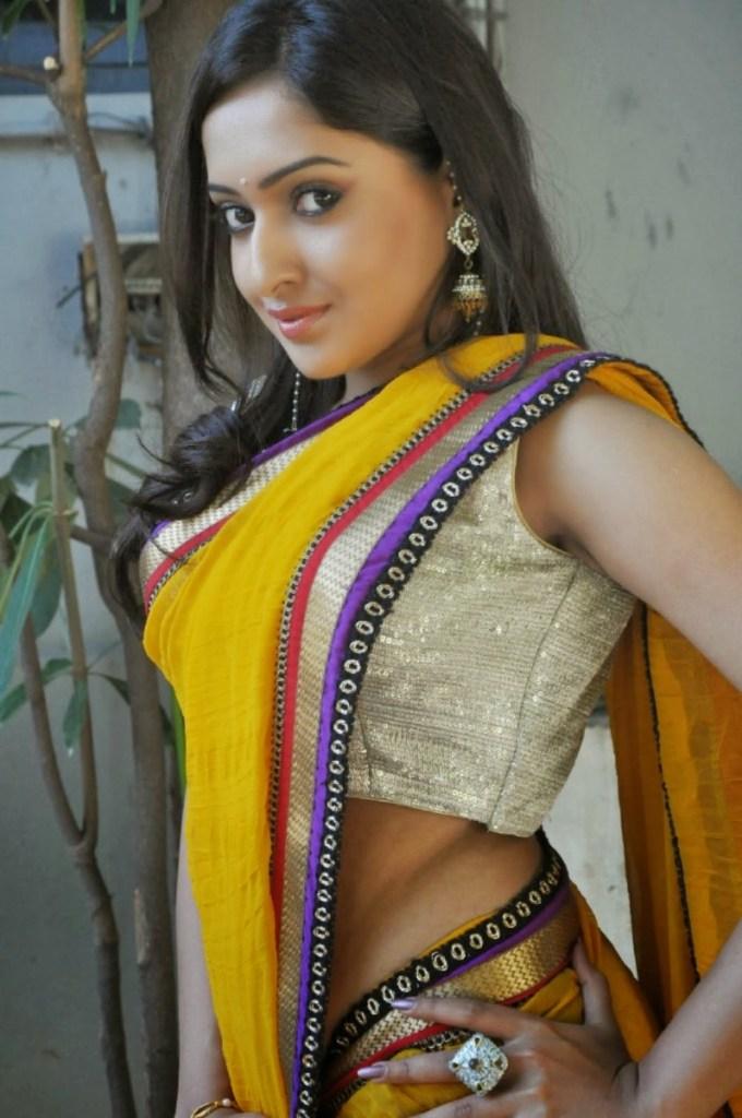 21+ Lovely Photos of Anjana Deshpande 8