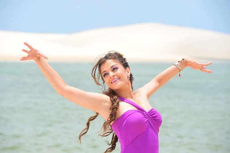 78+ Glamorous Photos Aishwarya Rai 119