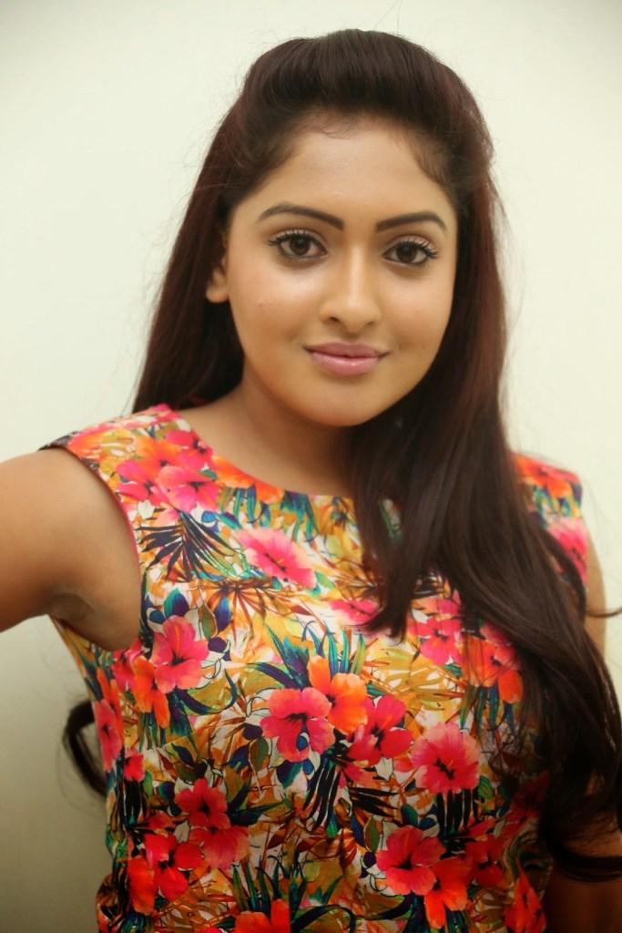 21+ Lovely Photos of Anjana Deshpande 17