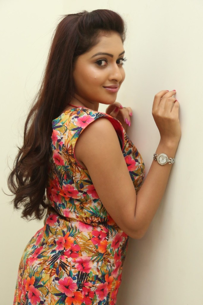 21+ Lovely Photos of Anjana Deshpande 18