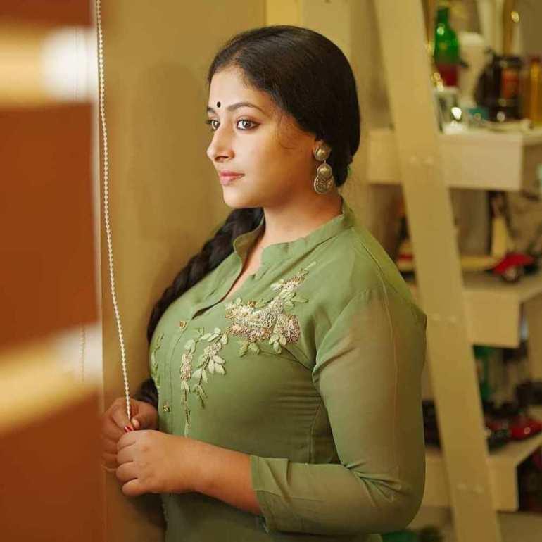 49+ Lovely Photos of Anu Sithara 91