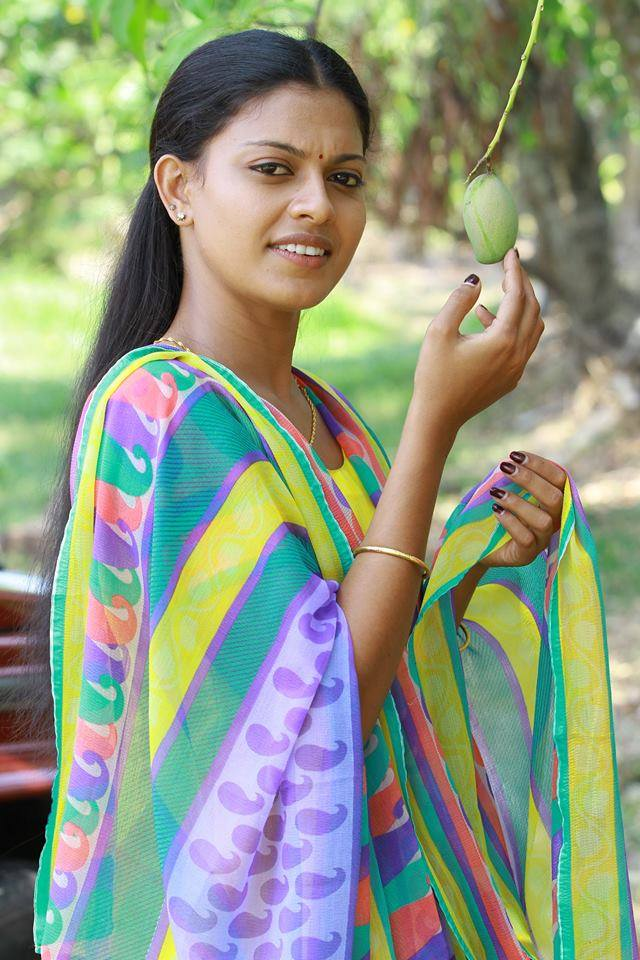 Check out this 89+ HD Photos of Anusree 126