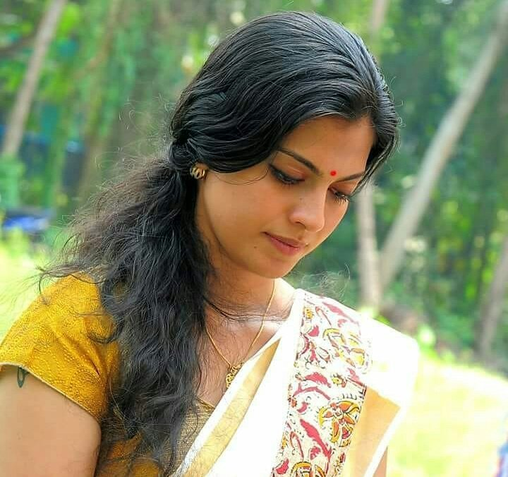Check out this 89+ HD Photos of Anusree 129