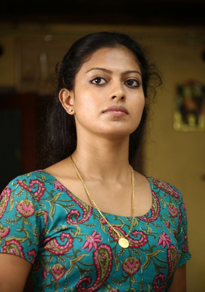 Check out this 89+ HD Photos of Anusree 146