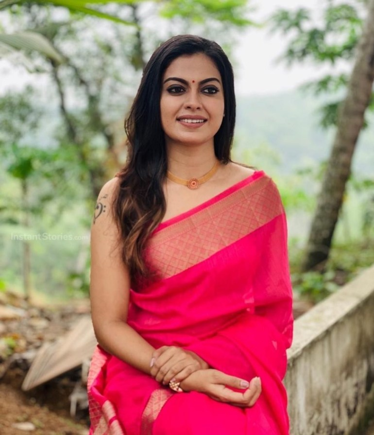 Check out this 89+ HD Photos of Anusree 147
