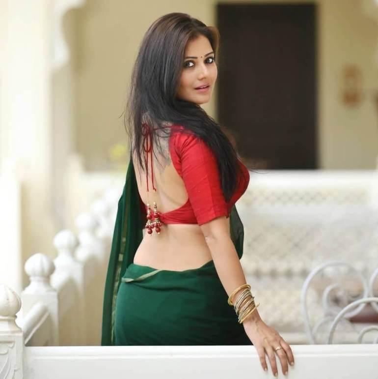 48+ Glamorous Photos of Archana Gupta 47