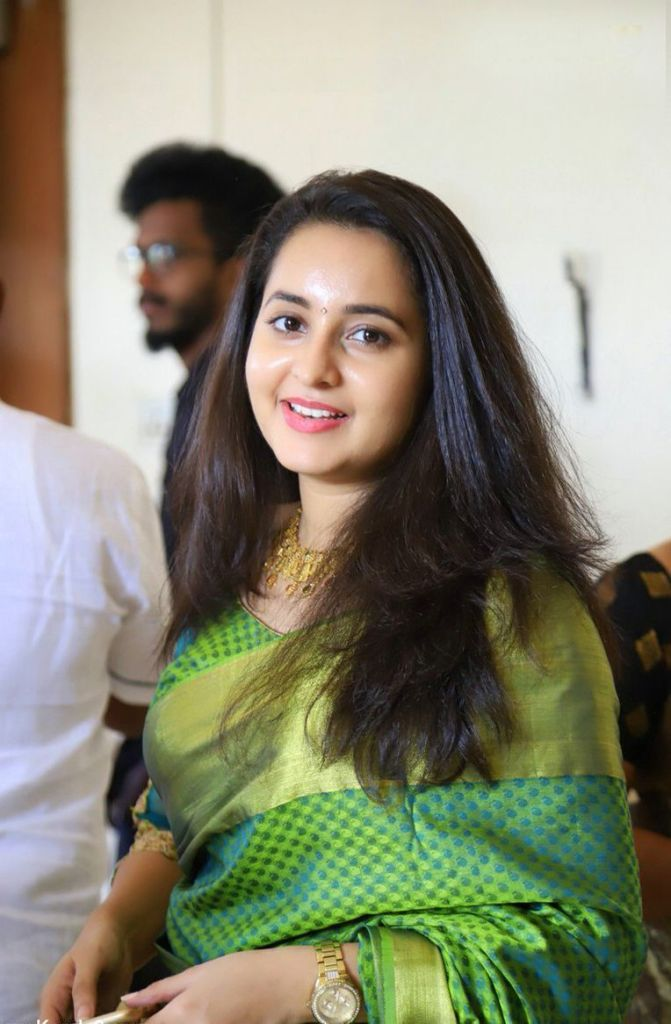 25+ Gorgeous Photos of Bhama 96