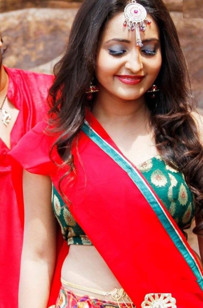 25+ Gorgeous Photos of Bhama 97