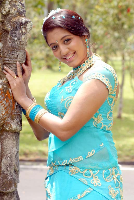 43+ Cute Photos of Gopika 19