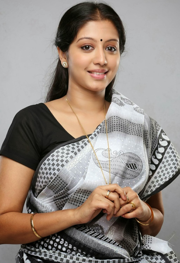 43+ Cute Photos of Gopika 4
