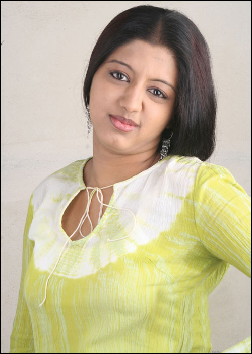 43+ Cute Photos of Gopika 26