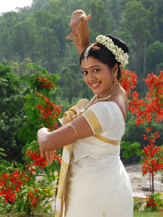 43+ Cute Photos of Gopika 27