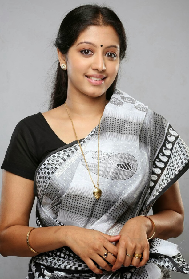 43+ Cute Photos of Gopika 5