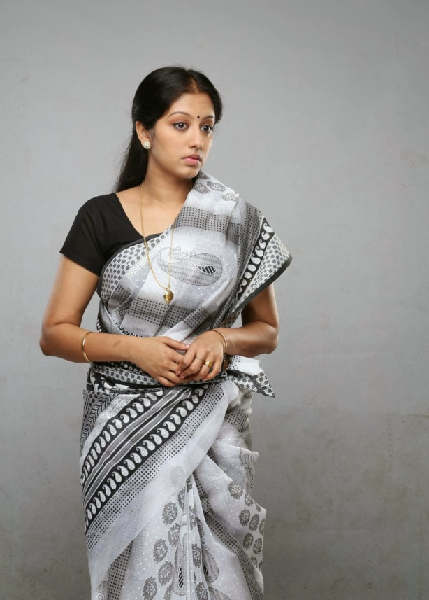 43+ Cute Photos of Gopika 32