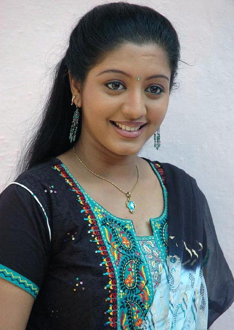43+ Cute Photos of Gopika 10