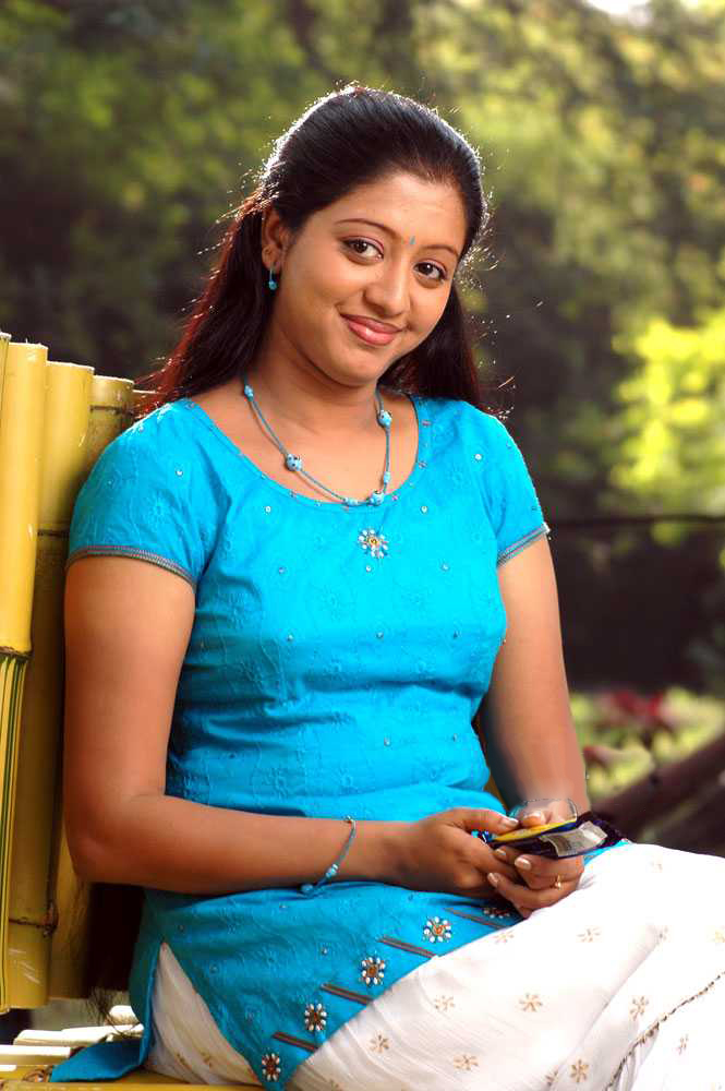 43+ Cute Photos of Gopika 11