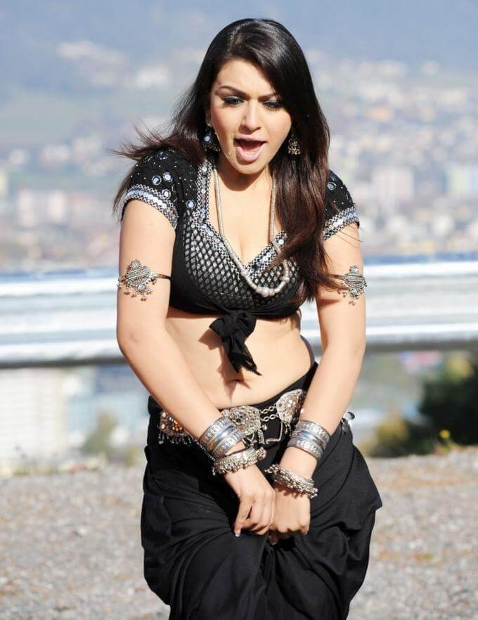 Check out these 33+ photos of Hansika Motwani 117