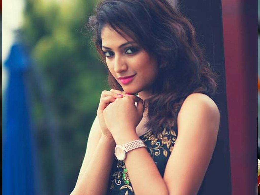 50+ Stunning Photos of Haripriya 31