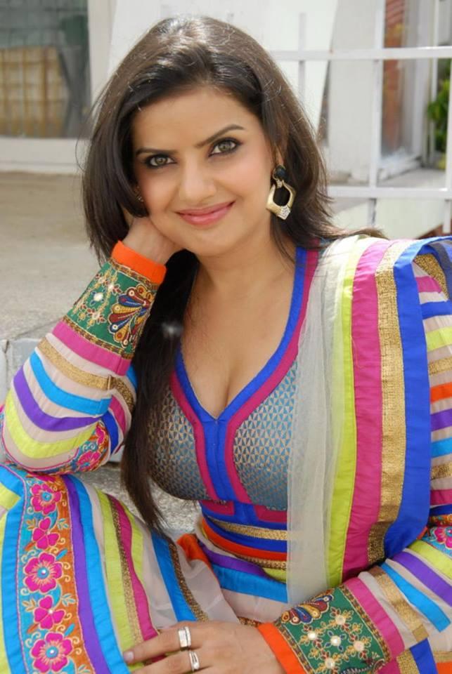 54+ Beautiful Photos of Madhu Sharma 32