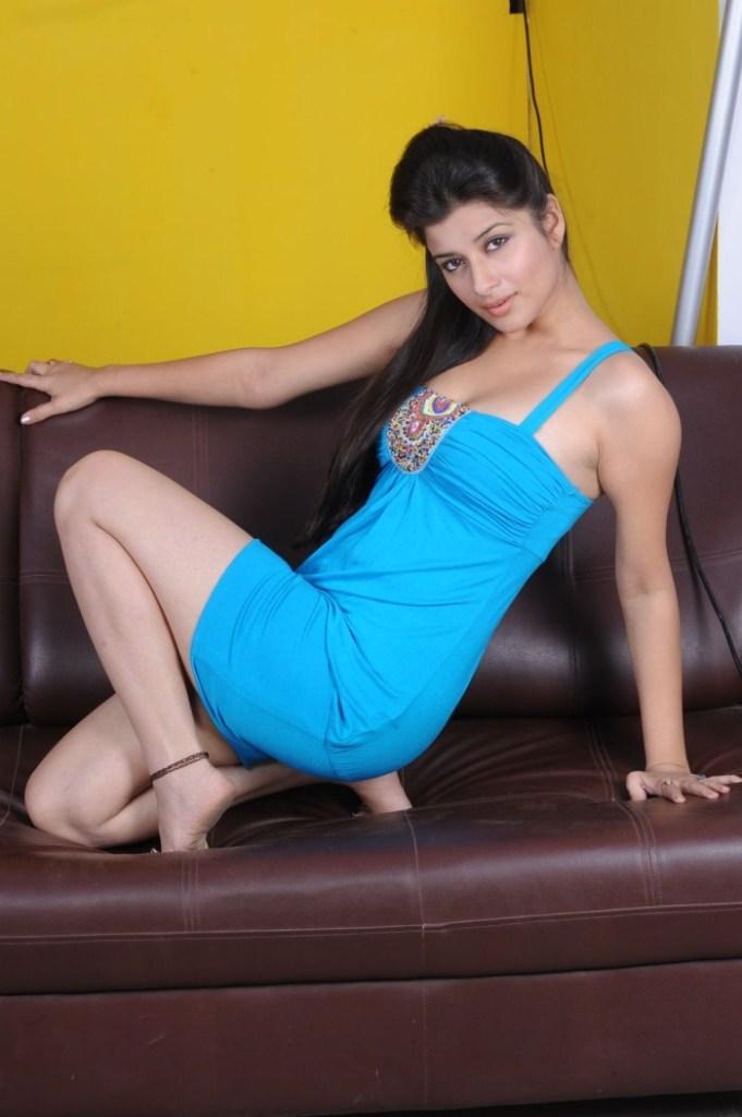 49+ Gorgeous Photos of Nyra Banerjee 126