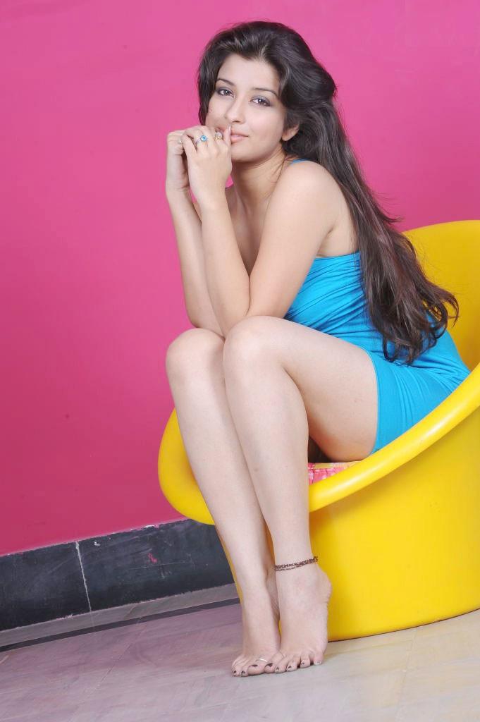 49+ Gorgeous Photos of Nyra Banerjee 115