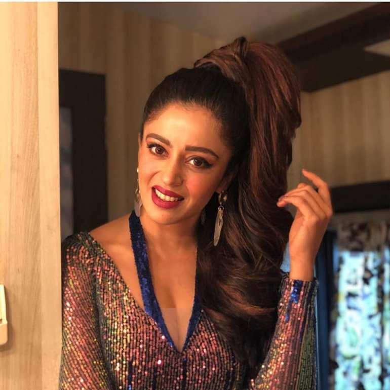 40+ Gorgeous Photos of Neha Pendse 57