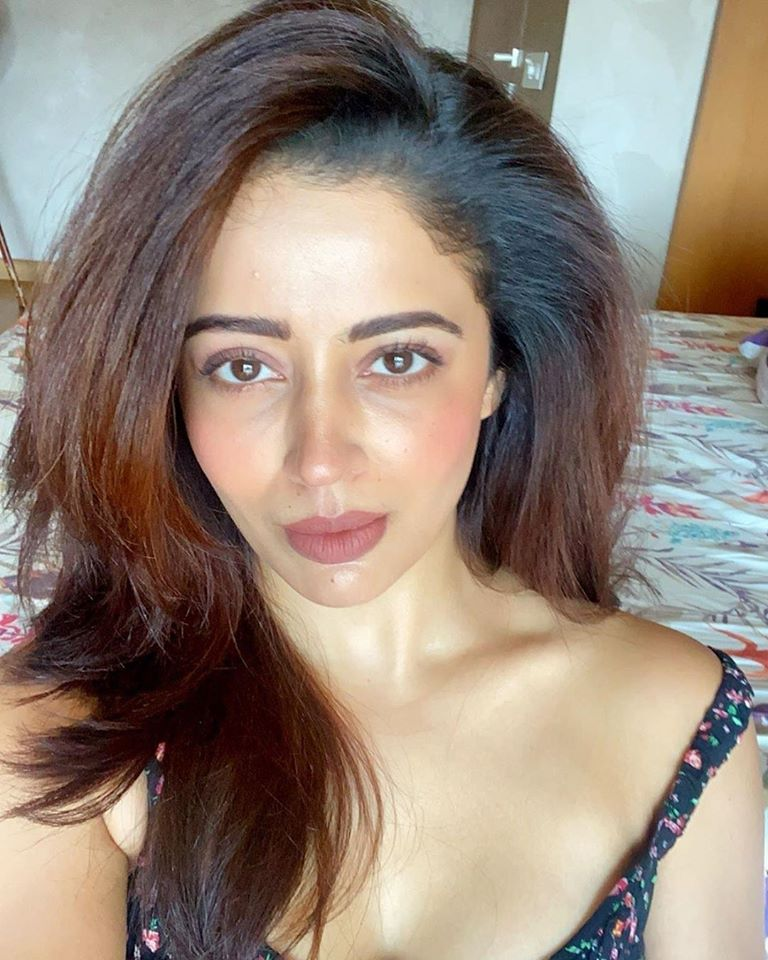 40+ Gorgeous Photos of Neha Pendse 31