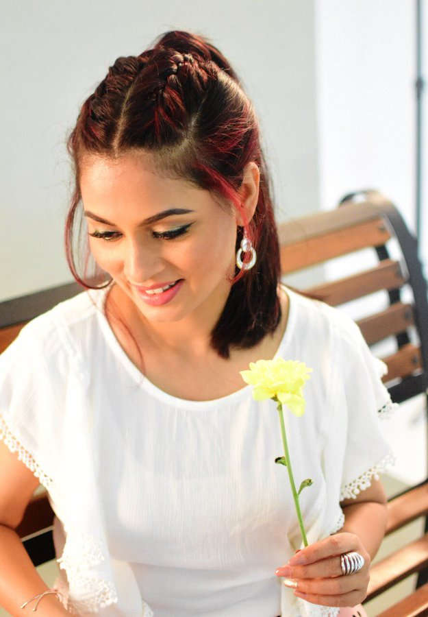 20+ Beautiful Photos of Pooja Umashankar 96